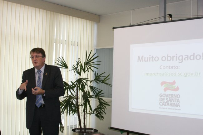 Lançamento Estudante online _ foto. 0.Nocetti